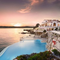Fancy a swim? 10 amazing pools that will seduce you Fancy a swim? 10 amazing pools that will seduce you Amazing pools H  tel du Cap Eden1 200x200