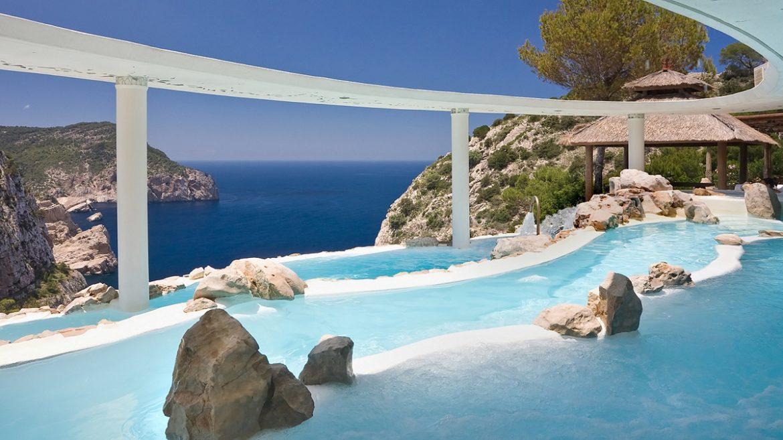Amazing Pools Part - 15: 10 Amazing Pools That Will Seduce You