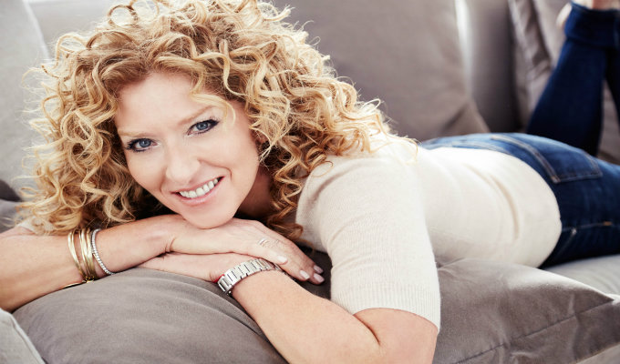 KELLY HOPPEN KELLY HOPPEN TOP INTERIOR DESIGNER | KELLY HOPPEN KELLY HOPPEN early career The Chromologist