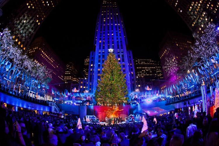 rockefeller center christmas tree, rockefeller center, rockefeller, tree, christmas tree, christmas, magical, holiday destination, christmas season, santa, magical season, holiday season, festive season, season, new york city, new york interiors, new york designer, new york spaces, new york design, new york, nyc, winter wonderland, christmas lights, winter time, holiday markets, ice skating, spirit, luxury, rockefeller plaza, tree lighting ceremony, nbc, norway spruce, lights, swarovski star, architect, daniel libeskind, christmas decorations,  Rockefeller Center Christmas Tree Rockefeller Center Christmas Tree 2018 (Part I) fim de ano em nova york