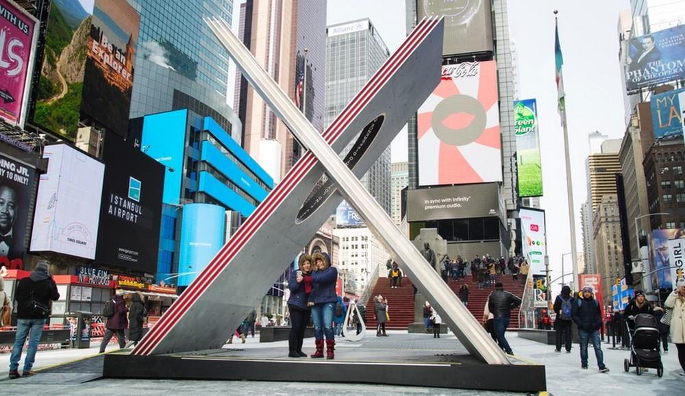 Times Square Valentine Heart, Design, Reddymade, Suchi Reddy, Times Square, Valentine, heart, Valentine day, architecture, love Times Square Valentine Heart 2019 Times Square Valentine Heart Design By Reddymade azure magazine