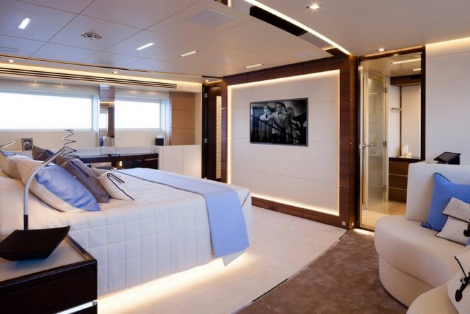 5 YACHT DESIGN TRENDS THAT ARE EXPECTED IN 2020 yacht YACHT DESIGN TRENDS THAT ARE EXPECTED IN 2020 modern lighting Pinterest 680x454