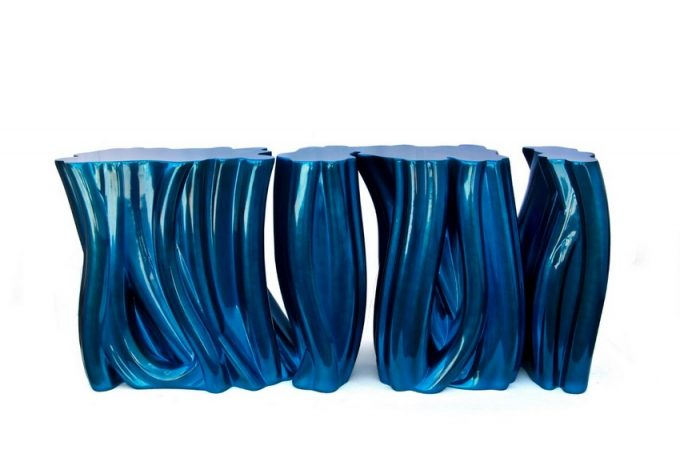 PANTONE'S COLOR OF THE YEAR: 5 FURNITURE PIECES IN CLASSIC BLUE