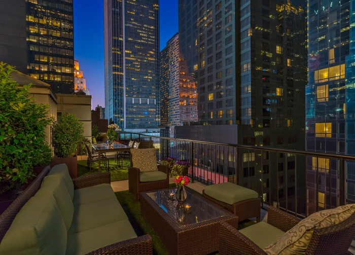 Best Hotels In New York City For You To Stay In top 5 hotels TOP 5 HOTELS IN NEW YORK CITY FOR YOU TO STAY IN Chatwal2
