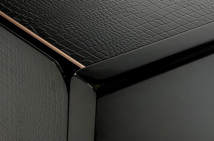 EXCLUSIVE DESIGN: LUXURY SIDEBOARDS WITH UNIQUE GOLDEN DETAILS luxury sideboards EXCLUSIVE DESIGN: LUXURY SIDEBOARDS WITH UNIQUE GOLDEN DETAIL b80e546d c58f 4cc3 bcfc 8d9b38ad534a